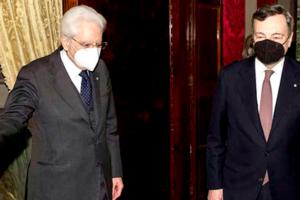 Il presidente Mattarella con Mario Draghi al Quirinale